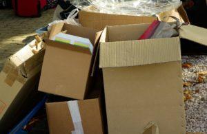 cartons-970950_1920