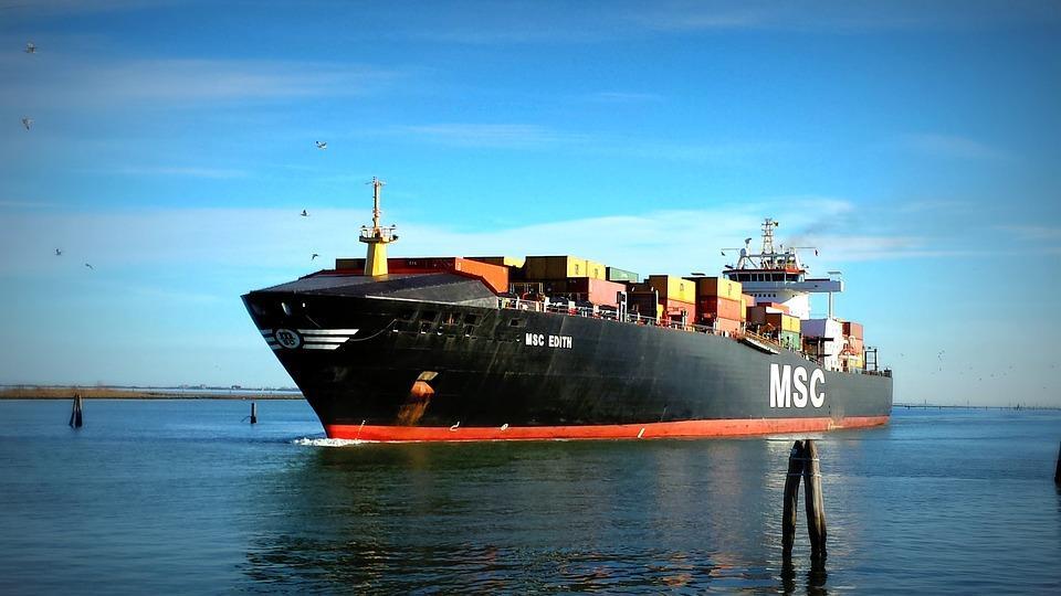 statek handlowy